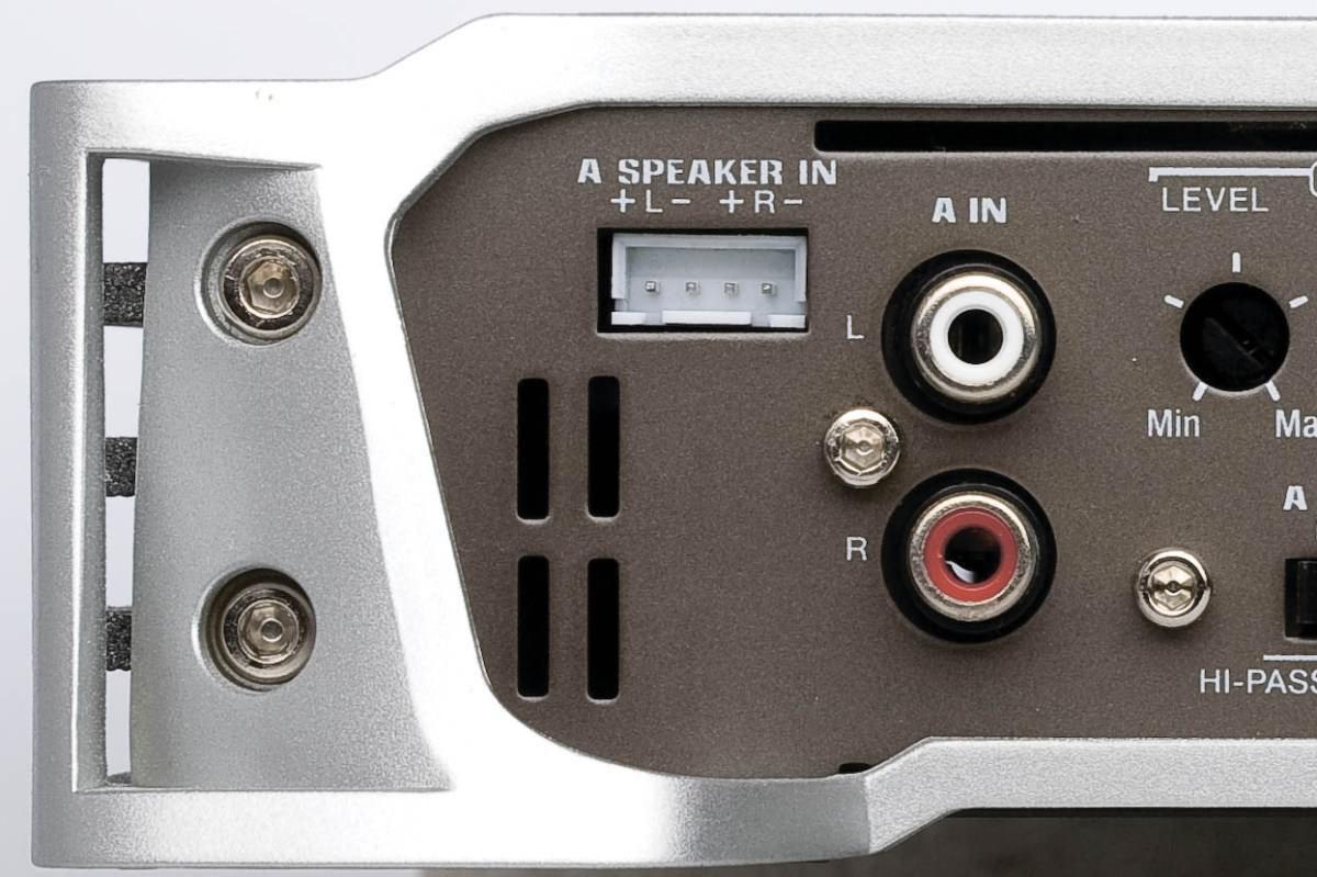 pripojiť Rockford Fosgate kondenzátor